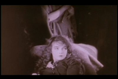 Lillian Gish wrote that she did not want to be prettied up for this scene. She felt that someone who had survived a blizzard should look the part.
