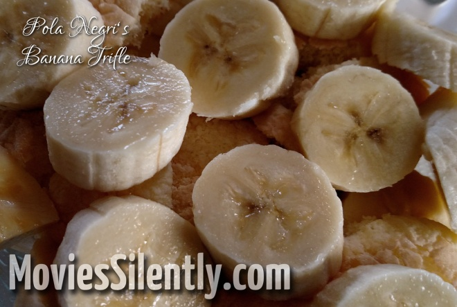 Bananas on ladyfingers...