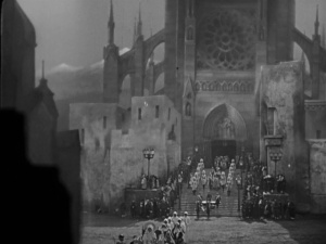 And von Stroheim had a lot of extras...