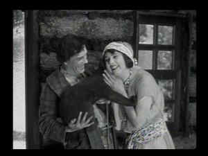 Lon Chaney is not a mass murderer in this film. How dull.