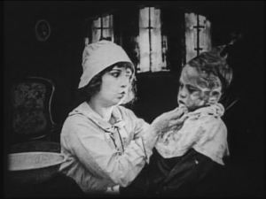 """Good lord, Dorothy's still at it! We get it. You look slightly like Lillian Gish. Now stop mouthing """"oh oh"""""""